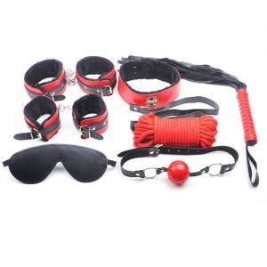 Rød og sort BDSM sæt