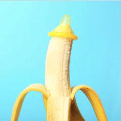 Kondom på toppen af en banan